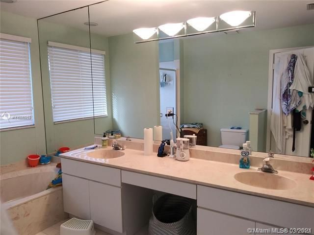 Winston Park Sec 2-a for Sale - 3910 NW 54th Ct, Coconut Creek 33073, photo 32 of 63