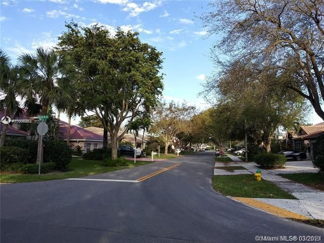 Winston Park Sec 2-a for Sale - 3910 NW 54th Ct, Coconut Creek 33073, photo 58 of 63