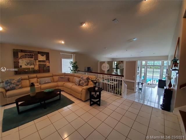 Winston Park Sec 2-a for Sale - 3910 NW 54th Ct, Coconut Creek 33073, photo 7 of 63