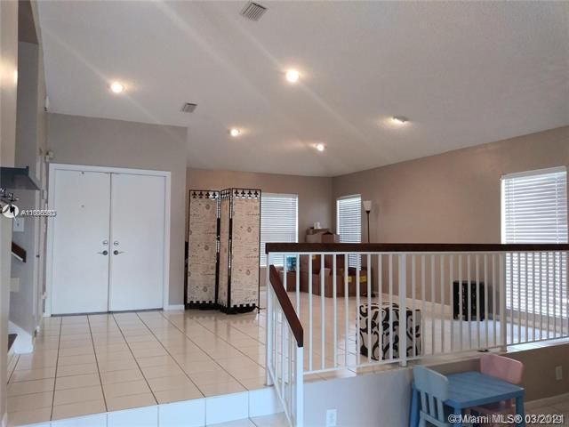 Winston Park Sec 2-a for Sale - 3910 NW 54th Ct, Coconut Creek 33073, photo 9 of 63