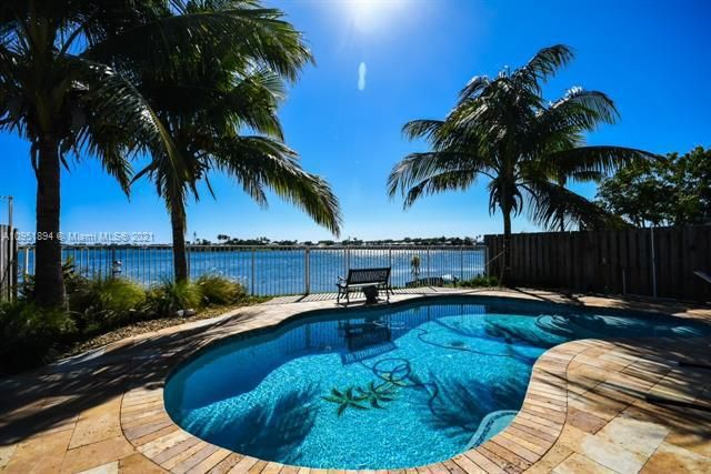 Coral Bay for Sale - Margate, FL 33063, photo 1 of 21