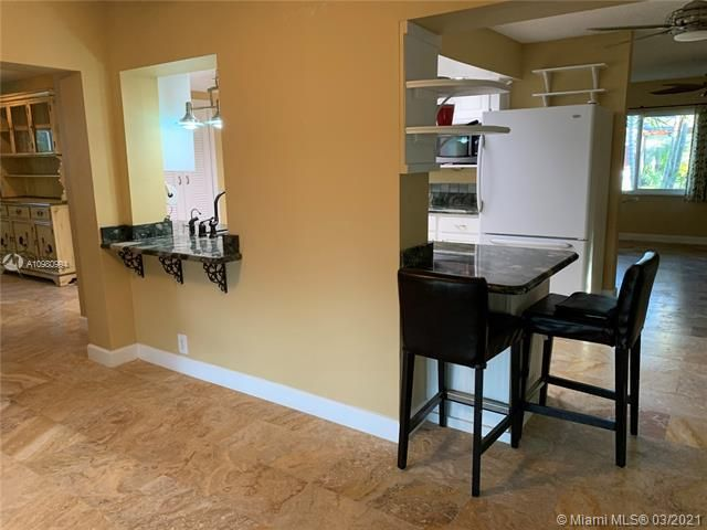 Paradise Gardens Sec 4 for Sale - 1095 NW 73rd Ter, Margate 33063, photo 10 of 59