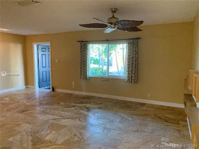 Paradise Gardens Sec 4 for Sale - 1095 NW 73rd Ter, Margate 33063, photo 13 of 59