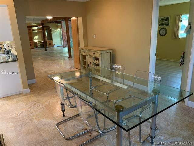 Paradise Gardens Sec 4 for Sale - 1095 NW 73rd Ter, Margate 33063, photo 15 of 59