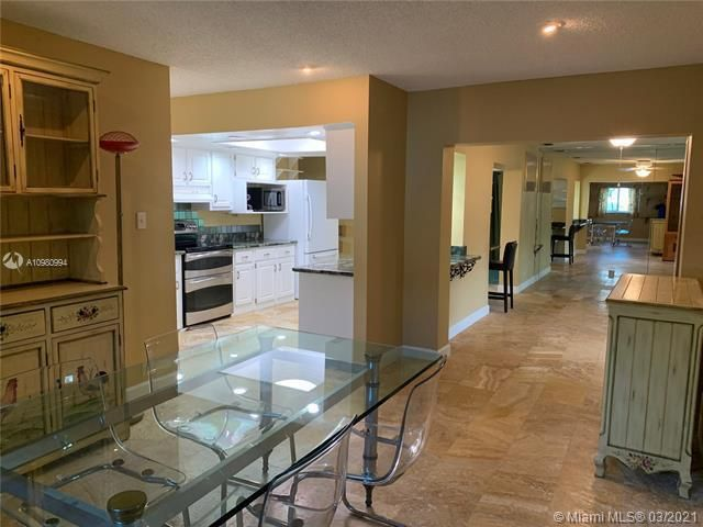 Paradise Gardens Sec 4 for Sale - 1095 NW 73rd Ter, Margate 33063, photo 16 of 59