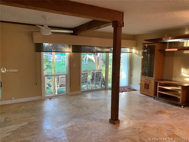 Paradise Gardens Sec 4 for Sale - 1095 NW 73rd Ter, Margate 33063, photo 18 of 59