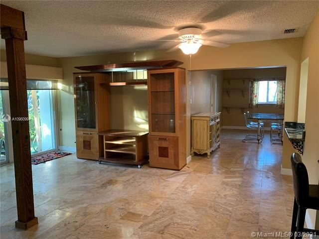 Paradise Gardens Sec 4 for Sale - 1095 NW 73rd Ter, Margate 33063, photo 19 of 59