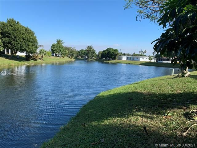 Paradise Gardens Sec 4 for Sale - 1095 NW 73rd Ter, Margate 33063, photo 2 of 59