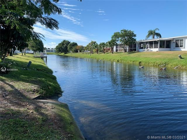 Paradise Gardens Sec 4 for Sale - 1095 NW 73rd Ter, Margate 33063, photo 4 of 59