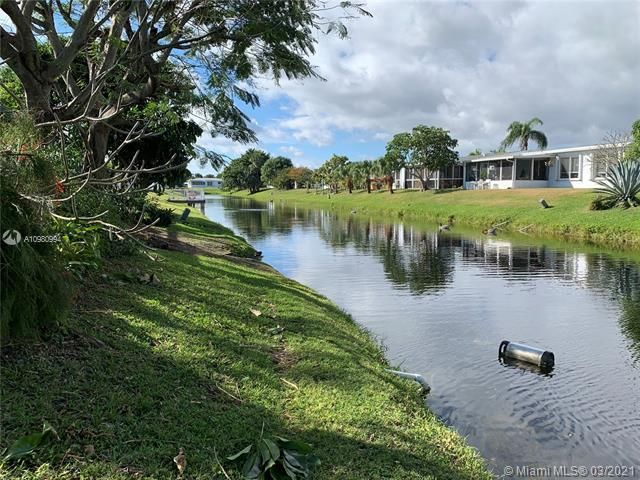 Paradise Gardens Sec 4 for Sale - 1095 NW 73rd Ter, Margate 33063, photo 45 of 59