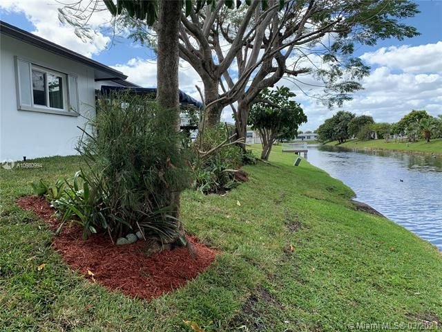 Paradise Gardens Sec 4 for Sale - 1095 NW 73rd Ter, Margate 33063, photo 49 of 59