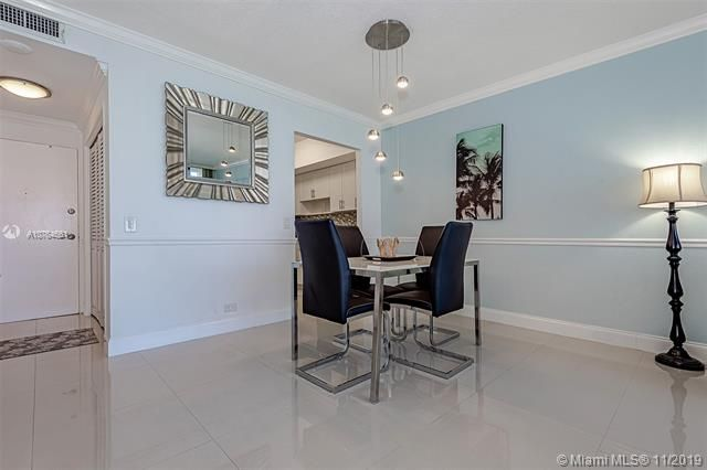 Alexander Towers for Sale - 3505 S Ocean Dr, Unit 707, Hollywood 33019, photo 10 of 39