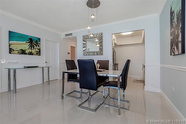 Alexander Towers for Sale - 3505 S Ocean Dr, Unit 707, Hollywood 33019, photo 11 of 39