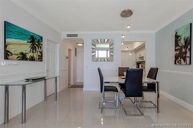 Alexander Towers for Sale - 3505 S Ocean Dr, Unit 707, Hollywood 33019, photo 12 of 39