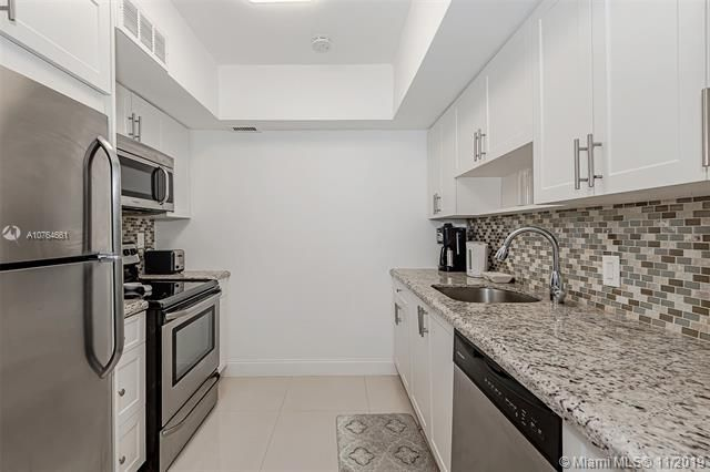Alexander Towers for Sale - 3505 S Ocean Dr, Unit 707, Hollywood 33019, photo 14 of 39