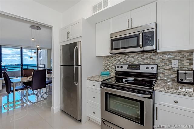 Alexander Towers for Sale - 3505 S Ocean Dr, Unit 707, Hollywood 33019, photo 15 of 39