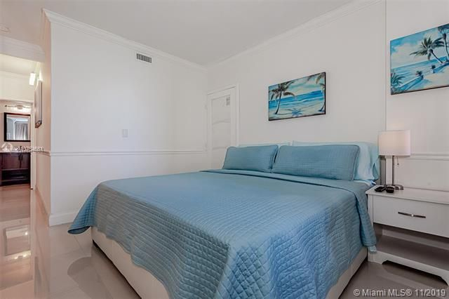 Alexander Towers for Sale - 3505 S Ocean Dr, Unit 707, Hollywood 33019, photo 25 of 39