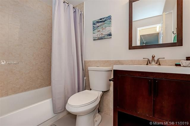 Alexander Towers for Sale - 3505 S Ocean Dr, Unit 707, Hollywood 33019, photo 27 of 39