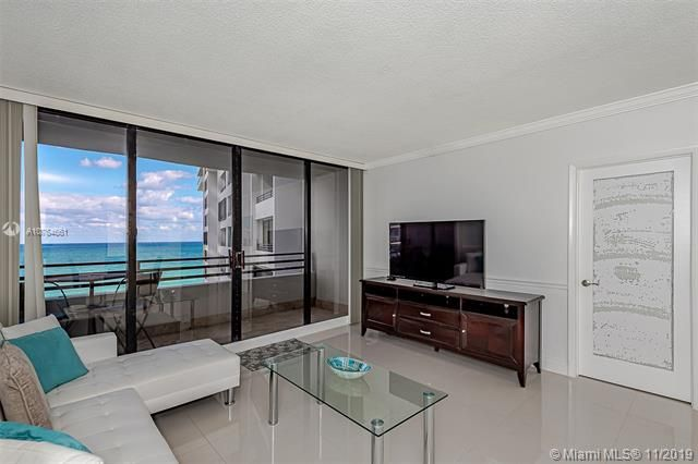 Alexander Towers for Sale - 3505 S Ocean Dr, Unit 707, Hollywood 33019, photo 5 of 39