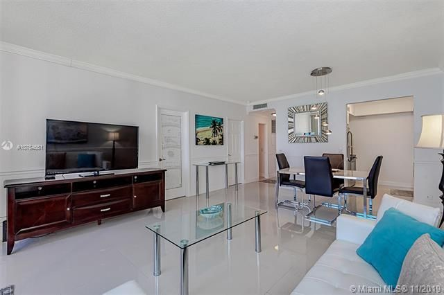Alexander Towers for Sale - 3505 S Ocean Dr, Unit 707, Hollywood 33019, photo 8 of 39