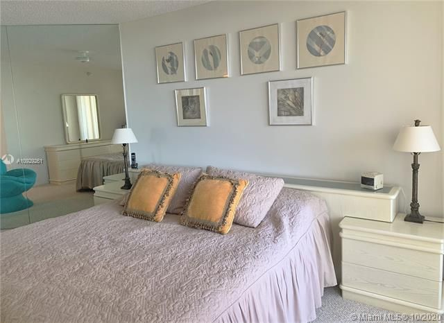 Sands Pointe for Sale - 16711 Collins Ave, Unit 704, Sunny Isles 33160, photo 11 of 25