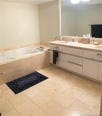 Sands Pointe for Sale - 16711 Collins Ave, Unit 704, Sunny Isles 33160, photo 15 of 25