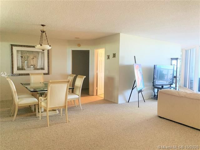 Sands Pointe for Sale - 16711 Collins Ave, Unit 704, Sunny Isles 33160, photo 4 of 25