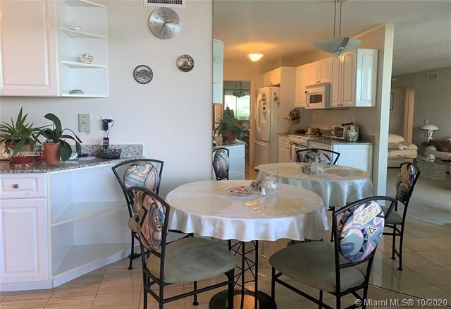 Sands Pointe for Sale - 16711 Collins Ave, Unit 704, Sunny Isles 33160, photo 7 of 25