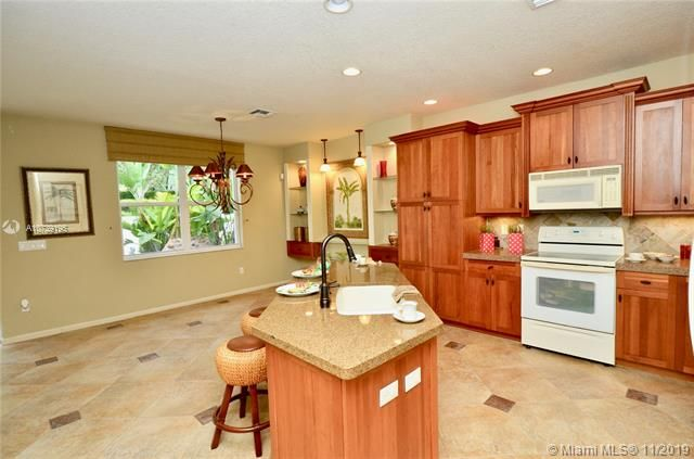 Riviera Isles for Sale - 17031 SW 51st Ct, Miramar 33027, photo 15 of 56