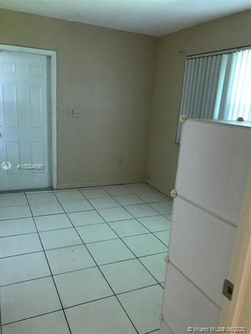 Larkdale Unit 5 for Sale - 1480 NW 32nd Ave, Lauderhill 33311, photo 11 of 29