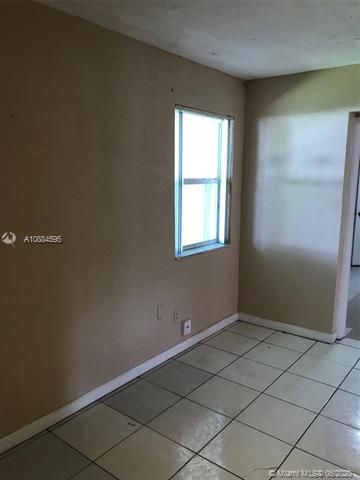 Larkdale Unit 5 for Sale - 1480 NW 32nd Ave, Lauderhill 33311, photo 13 of 29