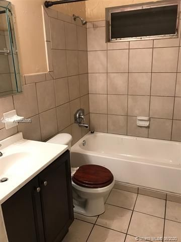 Larkdale Unit 5 for Sale - 1480 NW 32nd Ave, Lauderhill 33311, photo 21 of 29