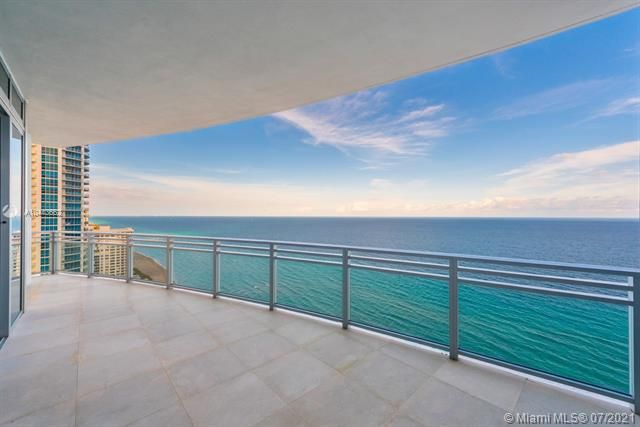 Diplomat Oceanfront Residences for Sale - 3535 S OCEAN DR, Unit 2302, Hollywood 33019, photo 4 of 26