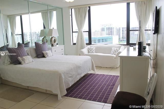 Alexander Towers for Sale - 3505 S Ocean Dr, Unit 805, Hollywood 33019, photo 5 of 10