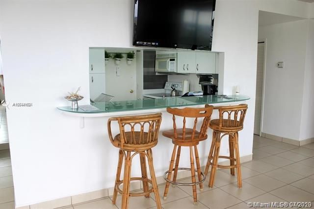Alexander Towers for Sale - 3505 S Ocean Dr, Unit 805, Hollywood 33019, photo 7 of 10