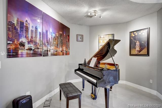 Riviera Isles for Sale - 17045 SW 52nd Ct, Miramar 33027, photo 14 of 69