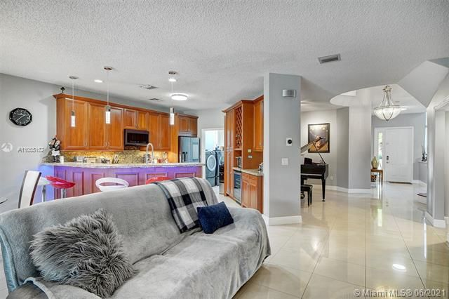Riviera Isles for Sale - 17045 SW 52nd Ct, Miramar 33027, photo 20 of 69