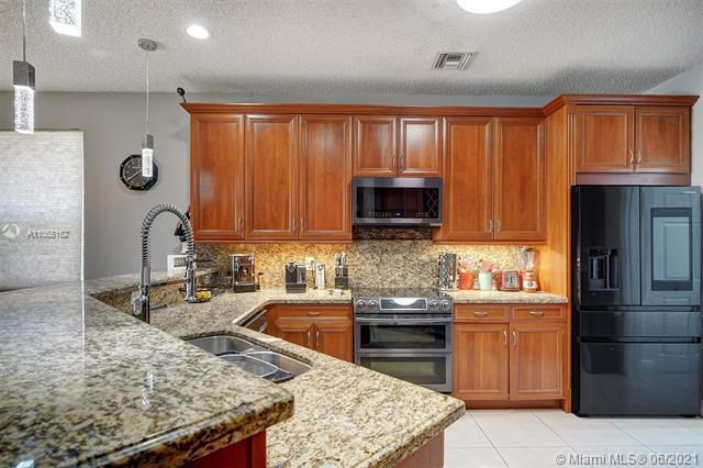 Riviera Isles for Sale - 17045 SW 52nd Ct, Miramar 33027, photo 24 of 69
