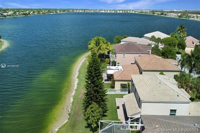 Riviera Isles for Sale - 17045 SW 52nd Ct, Miramar 33027, photo 7 of 69