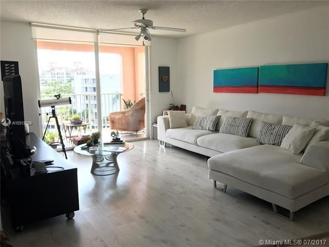 Yacht Club At Aventura for Sale - 19999 E Country Club Dr, Unit 1508, Aventura 33180, photo 1 of 14