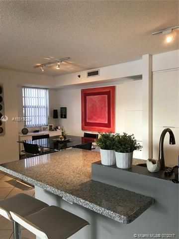 Yacht Club At Aventura for Sale - 19999 E Country Club Dr, Unit 1508, Aventura 33180, photo 5 of 14