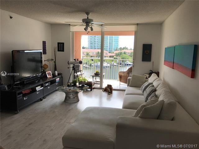 Yacht Club At Aventura for Sale - 19999 E Country Club Dr, Unit 1508, Aventura 33180, photo 6 of 14