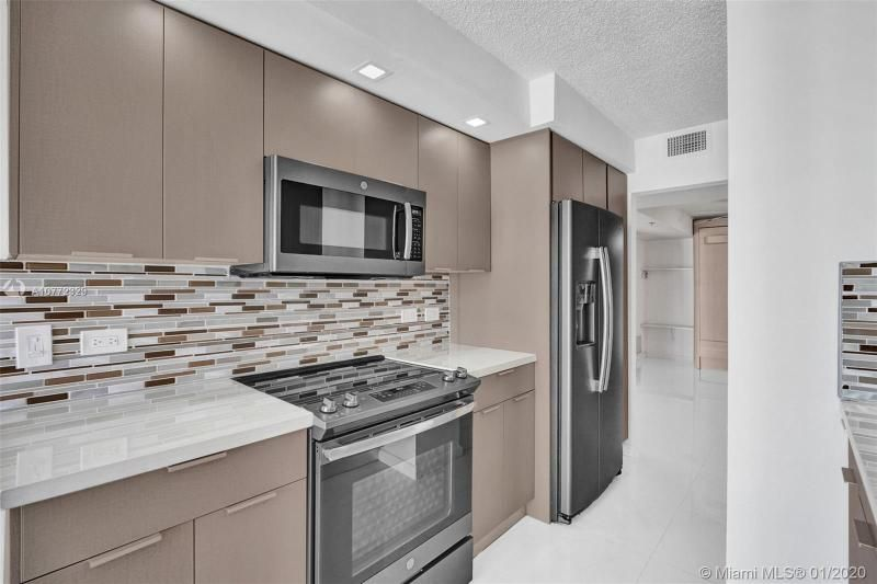 Summit for Sale - 1201 S Ocean Dr, Unit 2309S, Hollywood 33019, photo 10 of 40