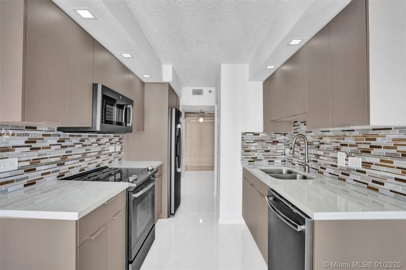 Summit for Sale - 1201 S Ocean Dr, Unit 2309S, Hollywood 33019, photo 8 of 40