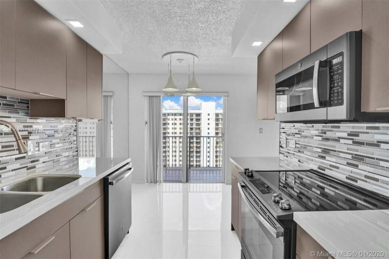 Summit for Sale - 1201 S Ocean Dr, Unit 2309S, Hollywood 33019, photo 9 of 40