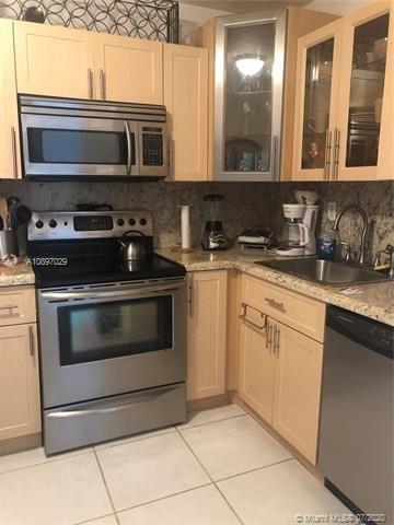 Sea Air Towers for Sale - 3725 S Ocean Dr, Unit 1025, Hollywood 33019, photo 1 of 61
