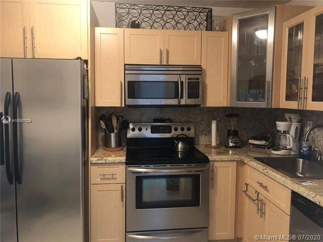 Sea Air Towers for Sale - 3725 S Ocean Dr, Unit 1025, Hollywood 33019, photo 18 of 61