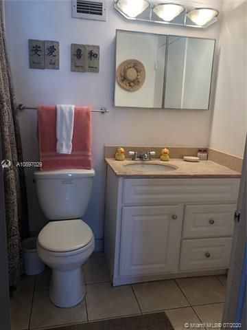 Sea Air Towers for Sale - 3725 S Ocean Dr, Unit 1025, Hollywood 33019, photo 26 of 61
