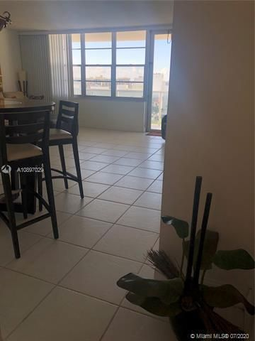 Sea Air Towers for Sale - 3725 S Ocean Dr, Unit 1025, Hollywood 33019, photo 35 of 61