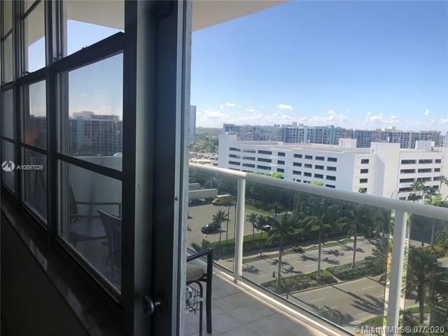 Sea Air Towers for Sale - 3725 S Ocean Dr, Unit 1025, Hollywood 33019, photo 47 of 61